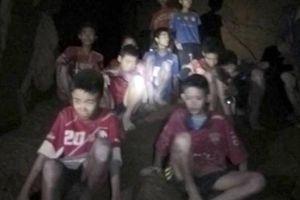 Những hình ảnh đầu tiên của đội bóng Thái mất tích được tìm thấy