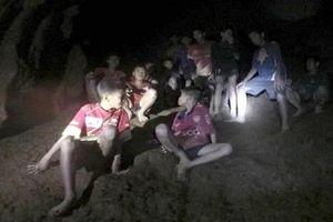 200 giờ giải cứu đội bóng Thái Lan trong hang sâu