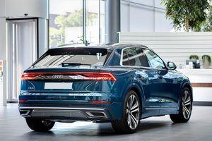 Audi Q8 tuyệt đẹp trong màu xanh ngọc bích