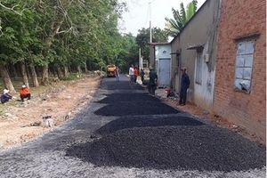 Người bỏ 200 triệu làm đường nhựa buộc phải phá, trả lại đường đất