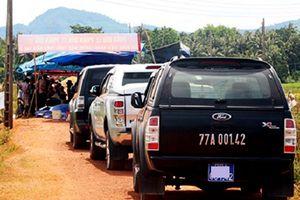 Dân Bình Định trả lại ba ôtô công vụ sau 1 tuần 'giam lỏng'