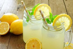 Chớ uống quá nhiều nước chanh mà gây hại cho sức khỏe