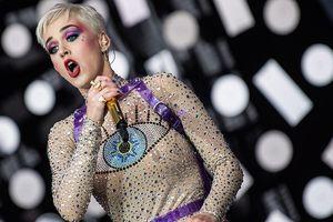Chuyện gì đang xảy ra thế này: Katy Perry phải giảm giá 50% vé 'Witness: The Tour' nhưng vẫn ế ẩm!
