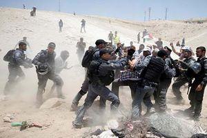 Israel phá làng người Palestin, bạo lực bùng phát dữ dội