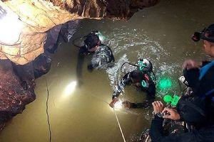 Giải cứu đội bóng Thái Lan: Phương pháp lặn trở nên mạo hiểm và bất khả thi