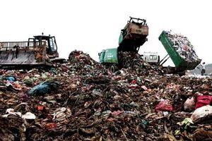 Hà Nội: Hỗ trợ người dân chịu ảnh hưởng từ rác thải