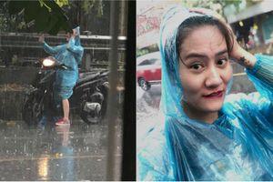Nhan sắc hiếm có của cô gái check-in dưới mưa 'triệu views'