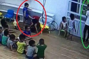 Chuyện 'lạ' ở trường mầm non tại Sơn La: Mẹ quay clip trẻ đánh nhau, con bị cho thôi học