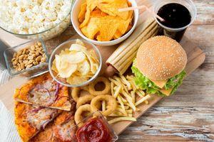 8 thực phẩm nên tránh khi bị đau