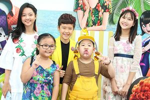 Thanh Mỹ, Trọng Khang đi xem phim 'Khách sạn huyền bí 3' cùng loạt sao nhí triệu view
