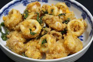 Tối nay ăn gì: Mực chiên trứng muối kiểu Thái