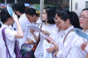 Phổ điểm thi THPT quốc gia 2018 thấp, các trường loay hoay hạ điểm chuẩn