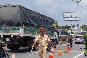 Truy tìm tài xế xe tải gây tai nạn khiến 3 mẹ con thương vong