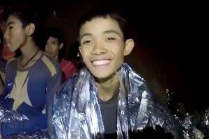 Lý do thợ lặn cứu trước 4 cầu thủ khỏe nhất đội bóng Thái
