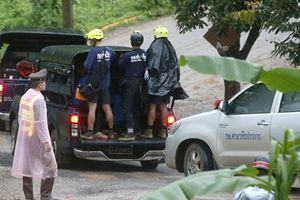 Trực tiếp giải cứu đội bóng: Tất cả 13 người đã ra khỏi hang