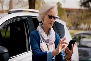 Top 10 loại điện thoại phù hợp nhất với người lớn tuổi