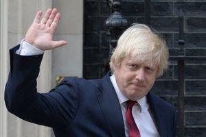 Bất đồng với Thủ tướng May, Ngoại trưởng Anh từ chức