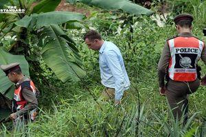 Một phóng viên bị bắt giữ khi đưa tin chiến dịch giải cứu đội bóng Lợn Hoang