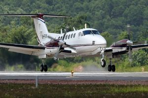 Chuyến bay đầu tiên hạ cánh ở sân bay Vân Đồn