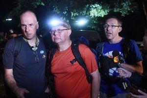 Chiến công thầm lặng của các thợ lặn quốc tế giải cứu đội bóng Thái