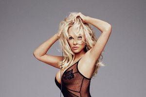 'Bom sex' Pamela Anderson - nàng WAGs 51 tuổi của tuyển Pháp