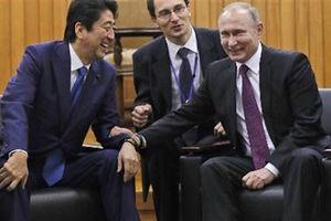 Phương Tây nổi đóa vì Nhật không vào hùa chống Nga