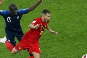 Thua trận, các ngôi sao Bỉ tố Pháp chơi... phản bóng đá
