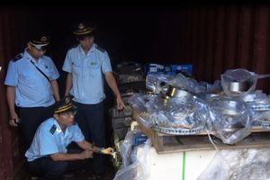 Làm rõ vụ việc phụ tùng ô tô nhập lậu trà trộn trong các container phế liệu
