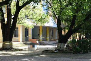 Người đàn ông lẻn vào trường học tự tử nghi do nợ nần