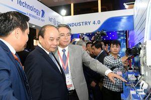 Thủ tướng Nguyễn Xuân Phúc dự Diễn đàn cấp cao và Triển lãm quốc tế về công nghiệp 4.0