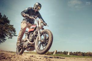 Chiến binh đa địa hình Yamaha XV920R