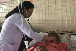 Hy hữu: Cụ ông 87 tuổi suýt chết vì bị hóc hạt mít