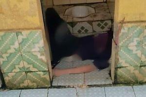 Hải Dương: Nam thanh niên tử vong trong nhà tắm, trên tay cầm kim tiêm