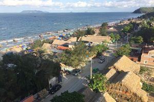 Bãi biển Hải Hòa ở Thanh Hóa chưa đủ điều kiện an toàn khi tắm biển