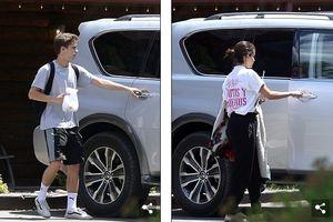 Phớt lờ việc Justin đính hôn, Selena rạng rỡ dạo phố cùng 'bạn trai'
