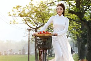Đồng hành cùng áo dài Việt