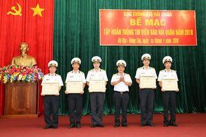 100% học viên được cấp giấy chứng nhận Thông tin viên Báo Hải quân Việt Nam