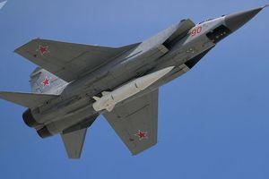 'Sát thủ' Kinzhal Nga giáng đòn diệt mục tiêu cách hơn 800km