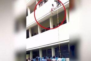 Nữ sinh chết tức tưởi do bị người hướng dẫn đẩy từ tầng 2 xuống trong buổi diễn tập không phép