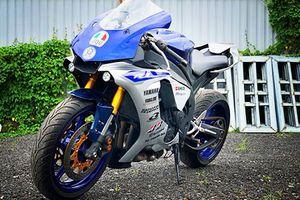 Thợ Sài Gòn 'hô biến' Yamaha R1 cũ thành siêu môtô R1M