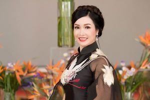 HH Việt Nam đầu tiên Bùi Bích Phương tiết lộ chuyện từ chối đại gia để đi... du học