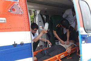 Điều máy bay cấp cứu 2 bệnh nhân ở đảo Thuyền Chài