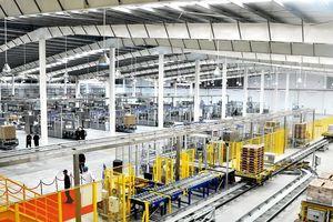 Choáng ngợp bên trong siêu nhà máy sữa toàn robot của Vinamilk