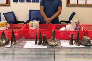 Phát hiện 12 sừng tê giác trị giá gần 8 tỷ nhập lậu vào Việt Nam