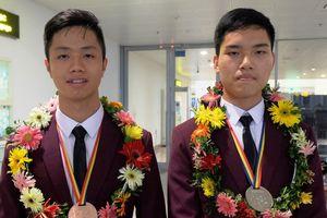 Hải Phòng thưởng lớn học sinh thi quốc tế đạt thành tích cao