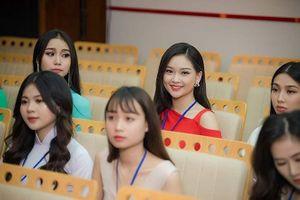 Chung khảo Hoa hậu phía Bắc: Bật mí những thí sinh tuổi 18