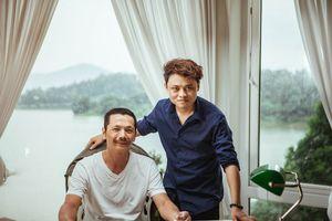 Đời tư ít người biết của diễn viên hài có gương mặt giống Jack Ma: Long Hách