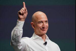 Tài sản ông chủ Amazon vượt 150 tỷ USD