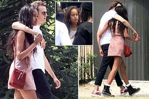Ảnh yêu đương tình tứ của con gái Obama và bạn trai ở Paris