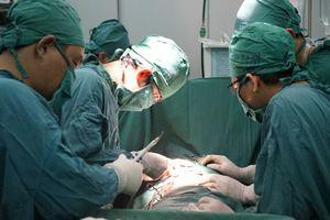 TP HCM: Người mẹ đâm nhiều nhát vào bụng bé trai 11 tháng tuổi có dấu hiệu tâm thần